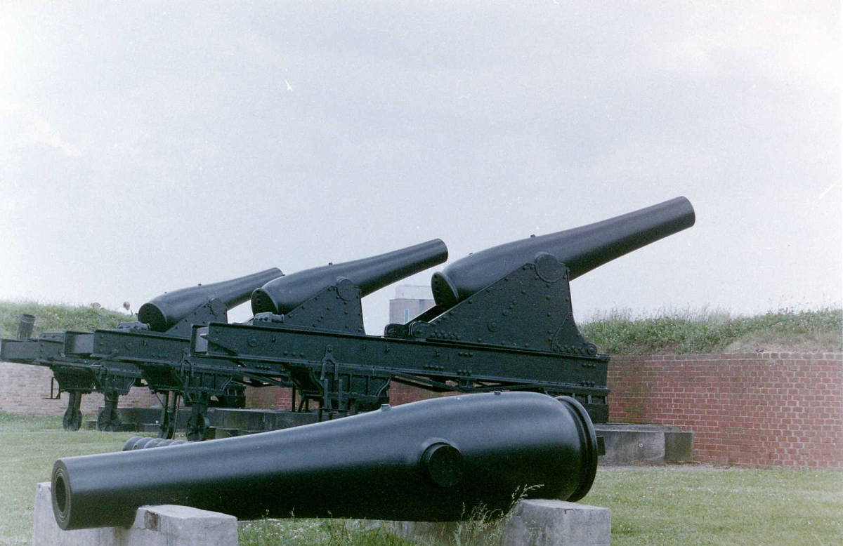 Cannons at Fort McHenry, outside of Baltimore MD. Site of major battles during American Revolutionary War. Francis Scott Key penned the Star Spangled Banner after watching the battle.