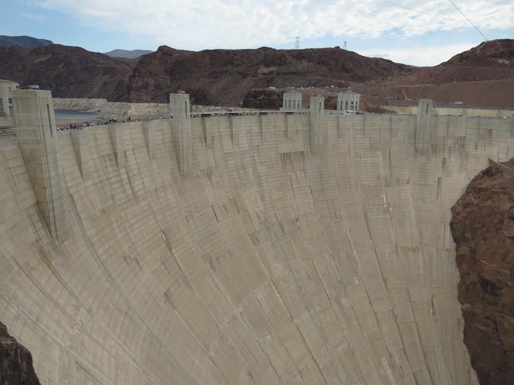 Hoover Dam One Impressive Dam Tour The Walking Tourists