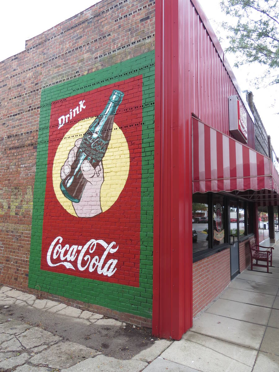 Atlantic, Iowa – Enjoy a Coke and maybe buy some collectibles