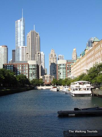 Architecture boat tour