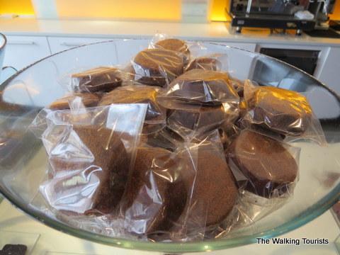 Crafting beautiful individual chocolate pieces