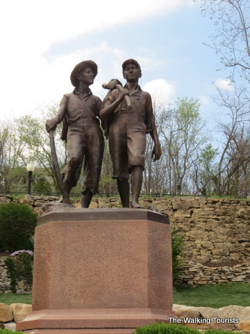 the story of huck finn in his hometown of hannibal missouri In hannibal, missouri, the hometown of mark twain (1835 - 1910) stands a statue of twain's most enduring characters, tom sawyer and huckleberry finn less more embed.
