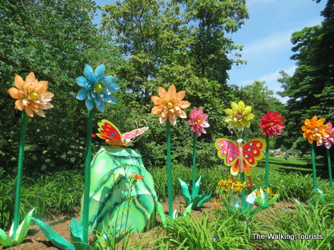 Lanterns on display at Missouri Botanical gardens for a limited time