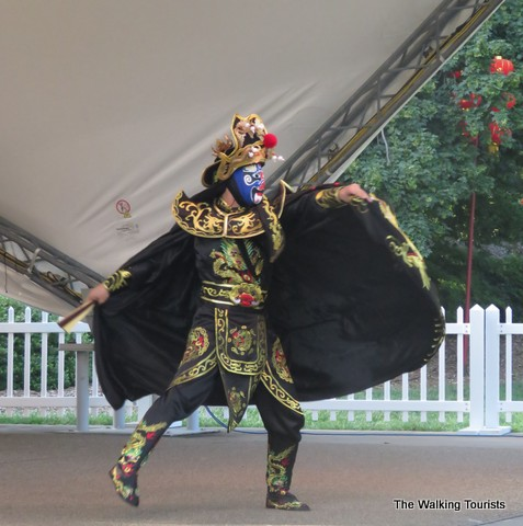 Chinese acrobatics at Missouri Botanical Gardens