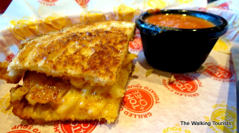 Grilled Mac and Cheese and Creamy Tomato basil soup