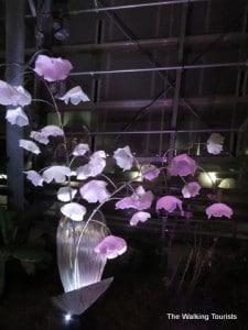 Omaha's Lauritzen Gardens illuminating Spring with glass art exhibit