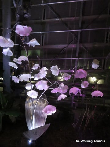 Omaha's Lauritzen Gardens illuminating Spring with glass art exhibit