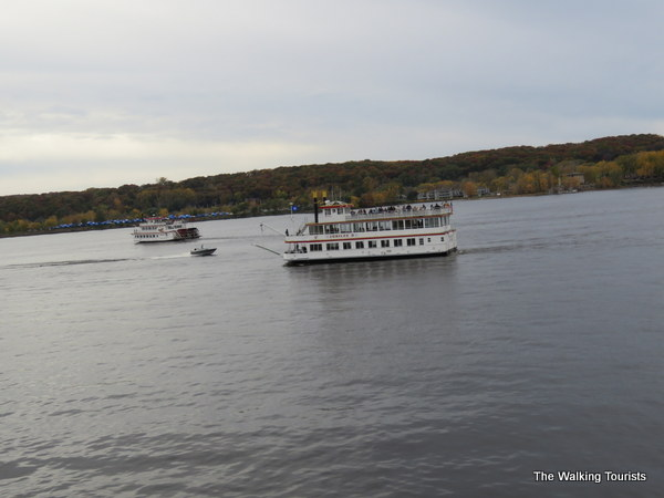 More people out for a river boat cruise in Stillwater