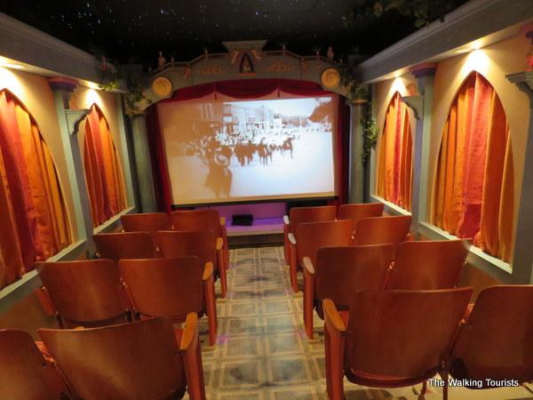 Lyons Theater