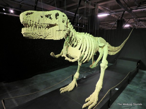 T-rex model made with 80,000 legos