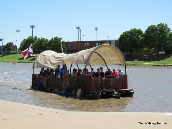 Covered wagon riverboat.