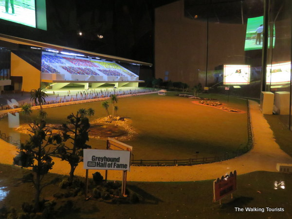 A model of a greyhound race track.