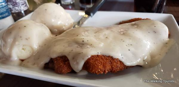 Chicken fried steak and mashed potatoes with white gravy