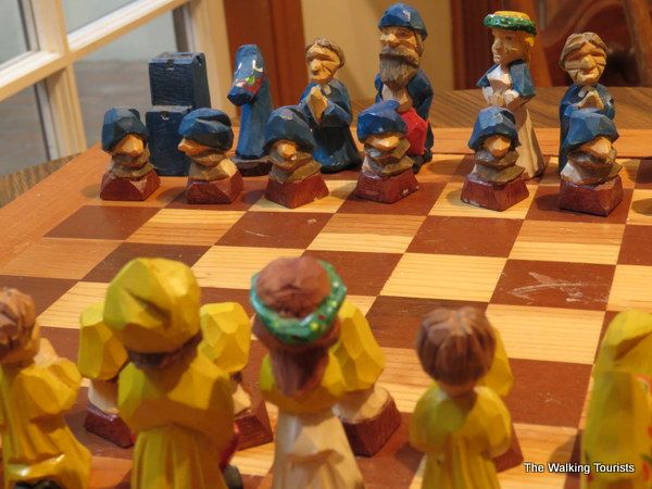 A chess board featuring Swedish characters.
